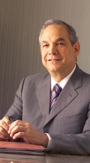 Socio fundador de la firma JM Cabral y Báez Eduardo M. Trueba